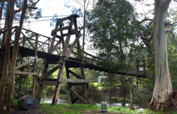 bridges-walk-warburton-590x380